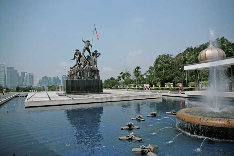 Victory Monument 1